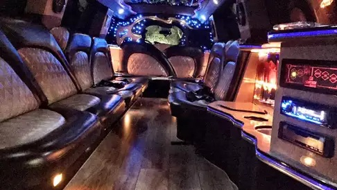 Tips to keep in mind when reserving a party bus